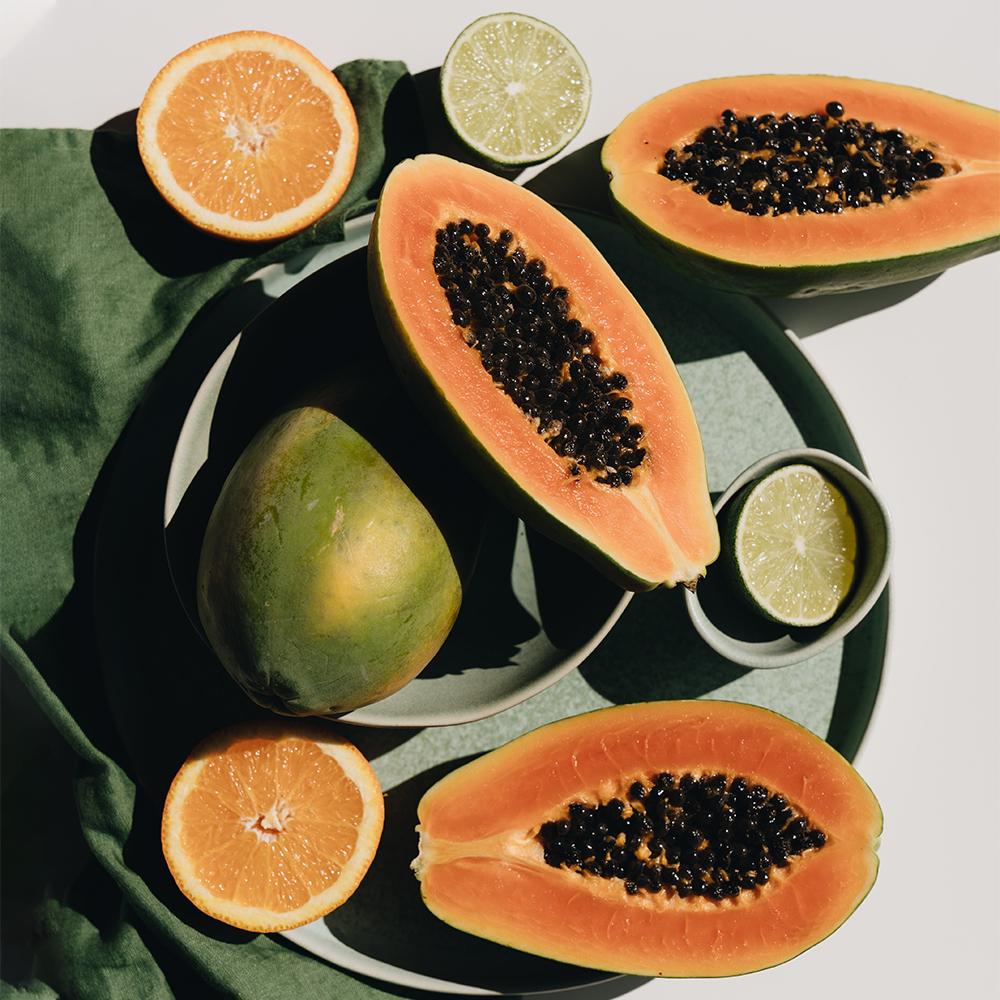 A papaja előnyei a bőrápolásban és az AHURA natúrkozmetikumokban.